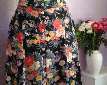 Flowerburst A-line, Button-front Midi Skirt.  1940s style.  Size Medium