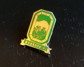 1982 Seattle Seafair lapel pin