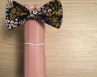 Navy coral TN bow
