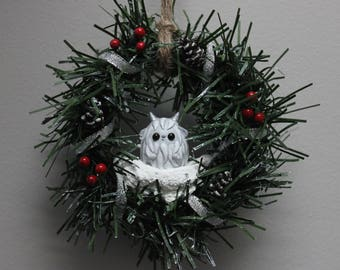 Yeti Wreath - Silver with berries and pine cones