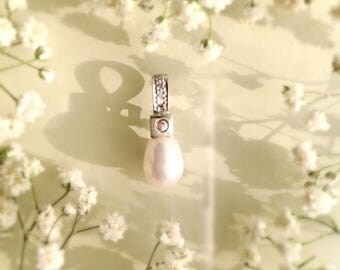 Classic Diamond, Pearl and White Gold Pendant