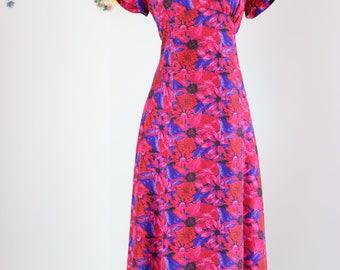 1980s Dress - Floral Midi Dress - Short Sleeve - 100% Silk - Bright Bold Pink - Vibrant Feminine - Summer Spring Dress - Size Medium Large