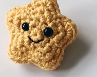 Crochet star brooch, superstar, gold star pin badge, amigurumi, kawaii, thank you gift, well done, smiley face, star shaped