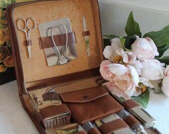 Gentleman's Vanity Set/Leather Vanity Set/Grooming Set/Vintage Men's Grooming Set  (ref1955H)