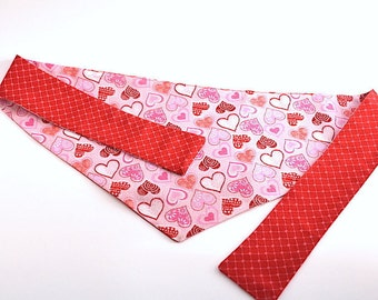 "Reversible Tie-On Dog Bandana - ""Pink Valentine Hearts"""