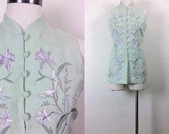 Vintage linen button down embroidered blouse/ sleeveless/ mandarin collar/ oriental style women's size S/M