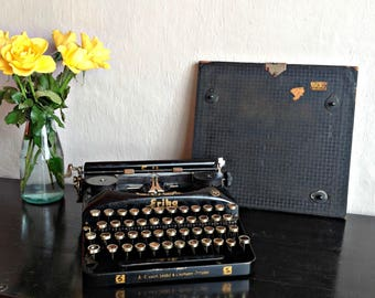 erika typewriter etsy. Black Bedroom Furniture Sets. Home Design Ideas