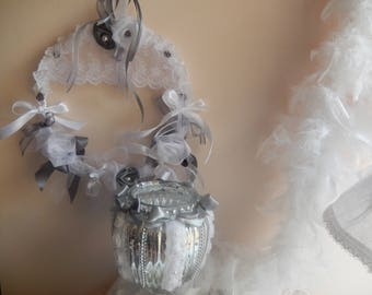 shabby crown grey and white with flowers