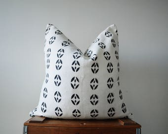 THE PONTYPRIDD 20x20 Authentic African Mud Cloth Pillow Cover