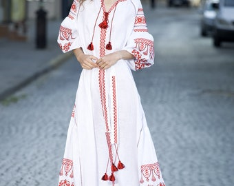 Women Ukrainian dress. Vyshyvanka dress National Ukrainian clothing Ukrainian embroidery Women's dress Mexican embroidery Fashion ukrainian