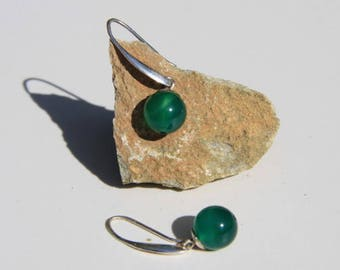 Indians ethnics earrings in silver 925 and green onyx : semi precious stone.
