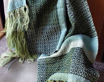 Handwoven throw blanket,Handwoven wrap,Sheep wool wrap,Green warm wrap,Sheep wool throw blanket,Green throw blanket,Warm knee cover