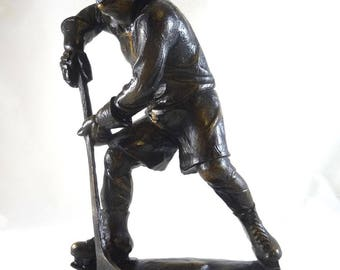 Rare german authentic antique wooden ice hockey player sports sculpture 1930 olympic winter games 30s