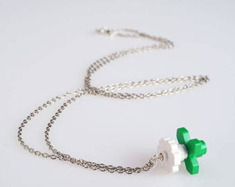 "Lego, white - Collection ""Djouland"" Flower necklace"