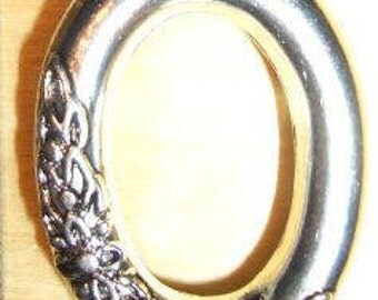 Oval ring with floral design - 30 mm