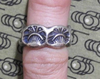 stunning vintage fred harvey era zuni sand cast and hand stamped ring size 5