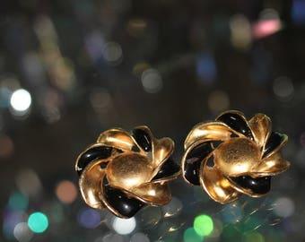 1980's Black & Gold Swirl Clip On Earrings