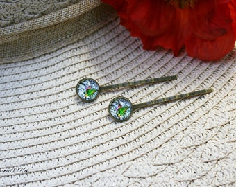 Hummingbird Glass Dome Hair Pin in a Bronze Setting. Hummingbird Hair Pins, Bird Bobby pins, Glass dome hair accessory, gift for her