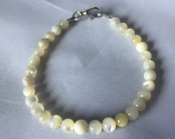 White Troca Shell Bracelet -7.5in