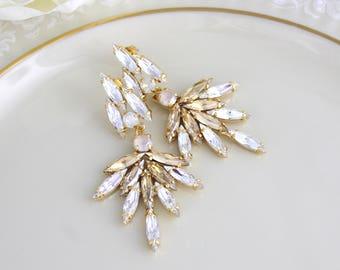 Crystal bridal earrings, Gold Wedding earrings, Bridal jewelry, Chandelier earrings, Statement earrings, Cluster earrings, Champagne crystal