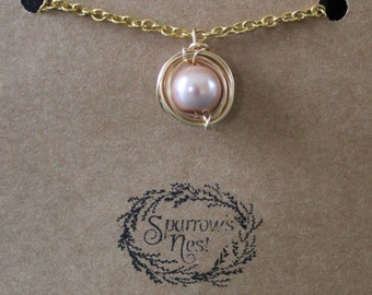 Pink and Gold Single Pearl Necklace