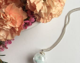 Real Flower Necklace, Real Dried Flowers, Real Flower Jewelry, Glass Globe,Gift for her, Nature Necklace,Silver Pendant, Pendant Necklace