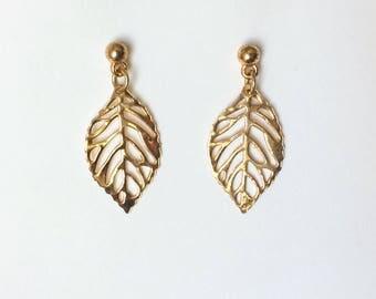 Vintage 1970's Gold Tone Leaf Dangle Drop Earrings