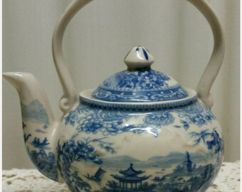 Vintage Blue and White Teapot for One 1970s Ascot Teapot Kitchen and Dining Tableware