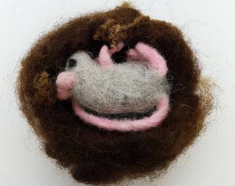 Nesting Mouse, Needle Felt Mouse, Tiny Mouse, Needle Felted Mouse, Felt Mouse, Mouse in a Nest,