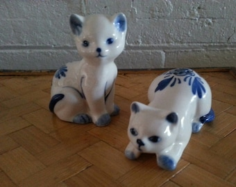 Vintage Cats Salt and Pepper Shakers / Blue on White Ceramic Cat Salt and Pepper Shakers