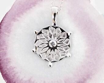 Petit Mandala Soleil & Lumière, bijou argent sterling, collier zen