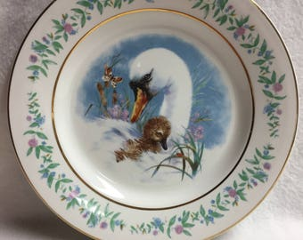 Avon 'Gentle Moments' (with Swans) Collector Plate (#103)