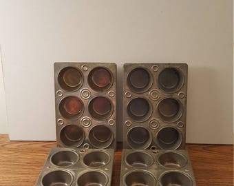 Set of 4 Vintage Muffin / Cupcake Pans