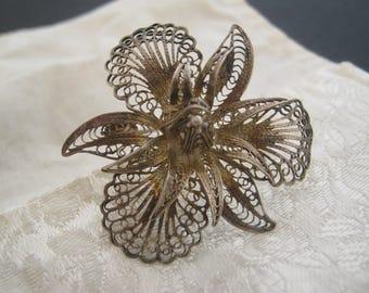 Vintage flower  filigree silver broken brooch pin for reuse component or restore