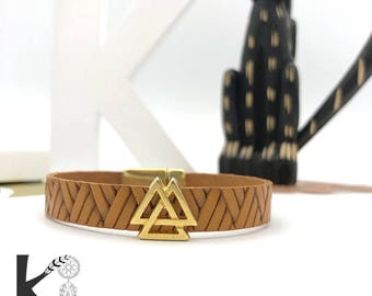 Boho brown leather and gold metal leather bracelet