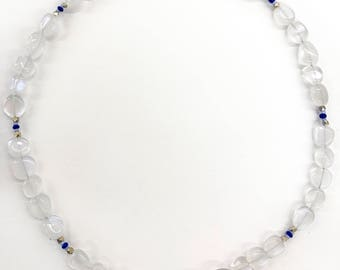 Clear beads necklace with blue and gold details