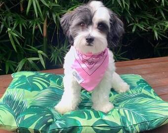 Tropical Leaves – Medium Dog Cushion Bed