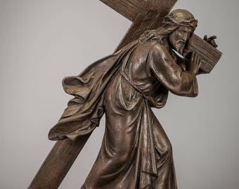 "15"" Jesus Christ Carrying his Cross French Bronzed Spelter Statue Antique Metal Sculpture"