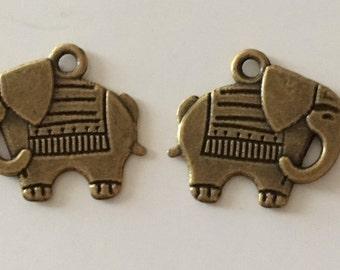 Large elephant Pendant (bronze) 19 x 21 mm