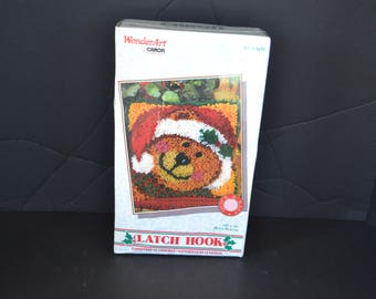 New Vintage Christmas Latch Hook Wonder Art 12 X 12