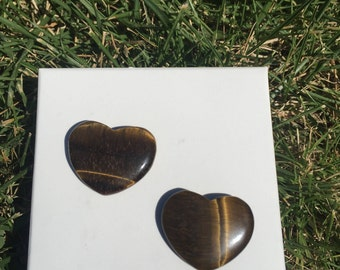 One (1) Tiger Eye Heart