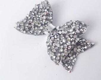 Crystal bow/ diamond bow/ silver bow/ silver glitter bow/ glitter bow/ girls hair bow/ baby headband/ newborn bow/ silver hair clip/