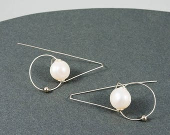 Bridesmaid earrings, Bridesmaid gift, Pearls earrings, Silver jewelry, Minimalist earrings, White earrings, Italian jewelry, Italy jewelry