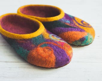Felted multicolored slippers - handmade wool slippers - eco home shoes - sheep clogs - natural wool slippers - women shoes gift