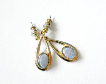 Vintage opal earrings, goldtone and opal earrings, opal and gold earrings, opal dangle earrings, gold opal earrings