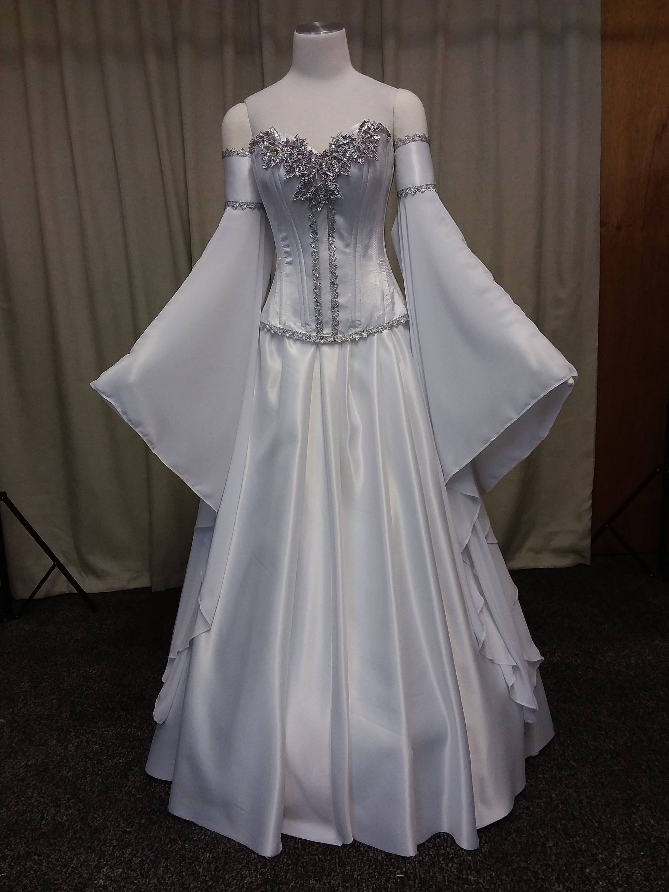 Elven wedding dress medieval dress handfasting white and for Have wedding dress made