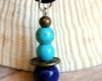 minimalist pendant turquoise beads and lapis lazuli