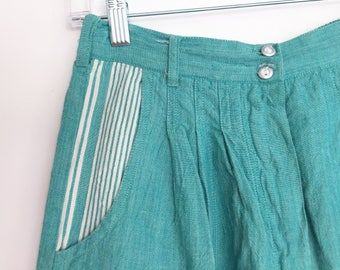 Vintage mint green pleated shorts - high waisted - stripes