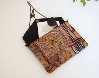 Ethnic clutch with chain woman / patchwork vintage embroidery / shoulder bag / shoulder chain strap / travel vintage / Indian art