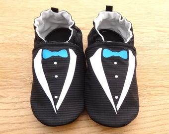 "Sole leather baby shoes and black ""Tuxedo"" chic cotton top"